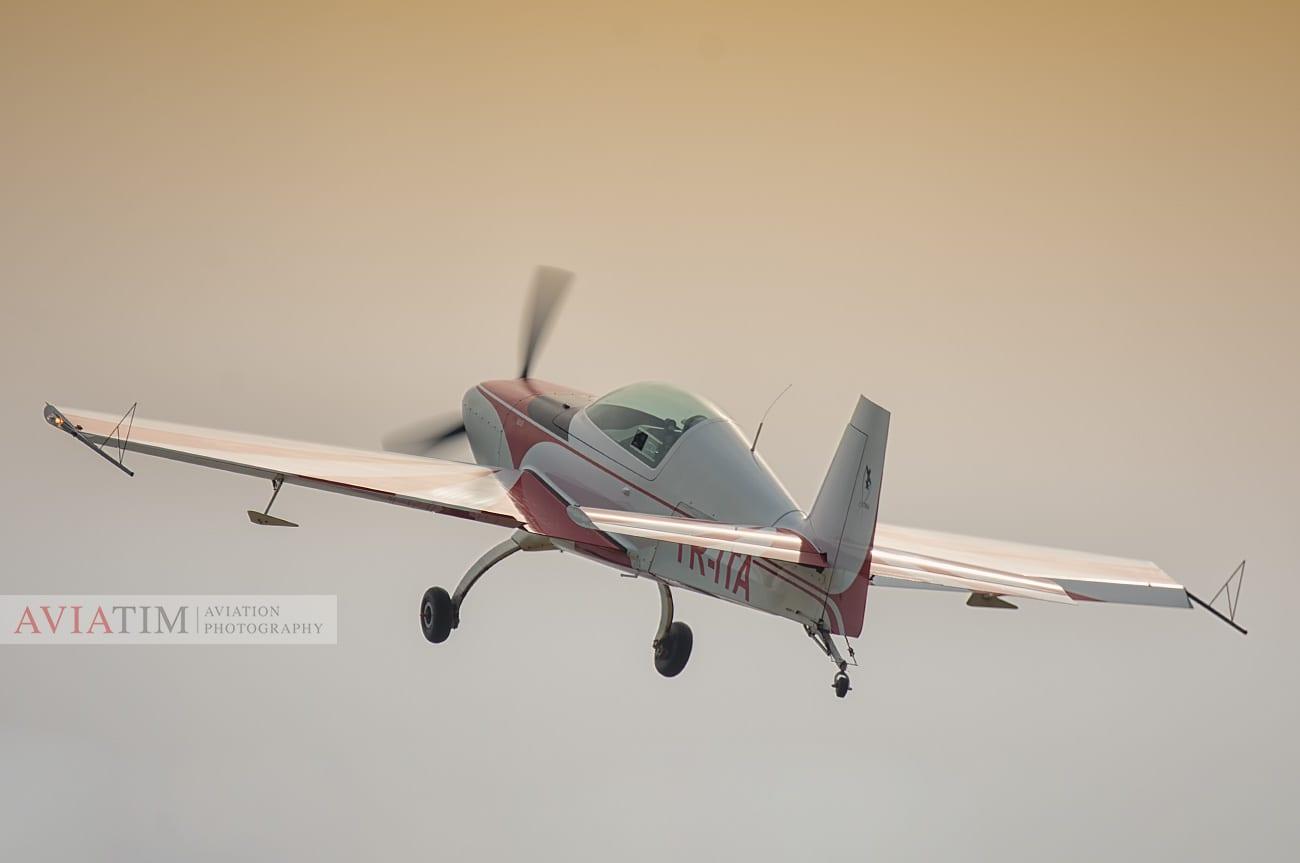 Aeromania Extra 200